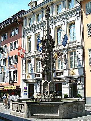 Weinmarkt fountain